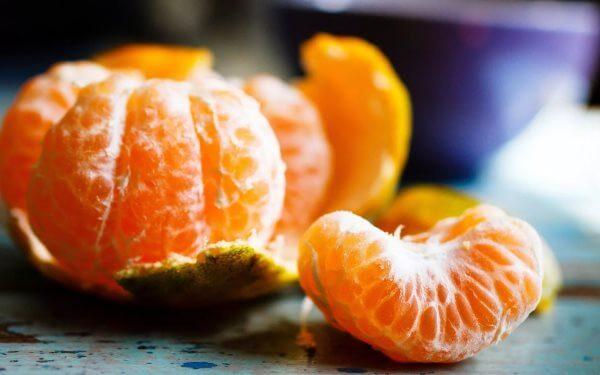 Фото: Мандарин - плод дольками